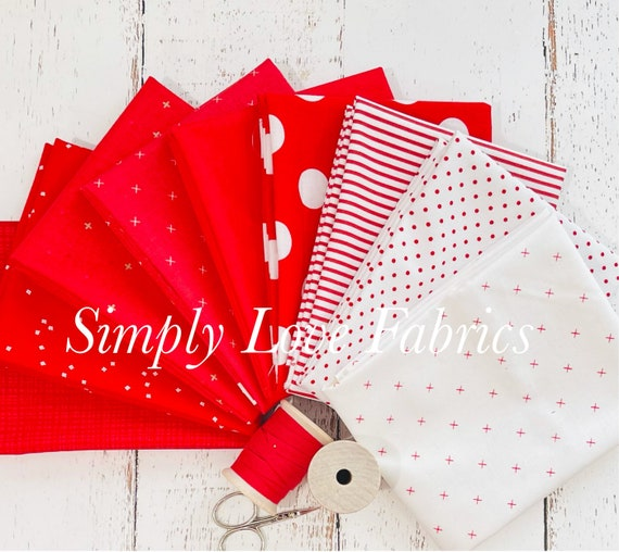 Fat Quarter Bundle (9 Fabrics) Christmas Red Basics Riley Blake Designs with Moda