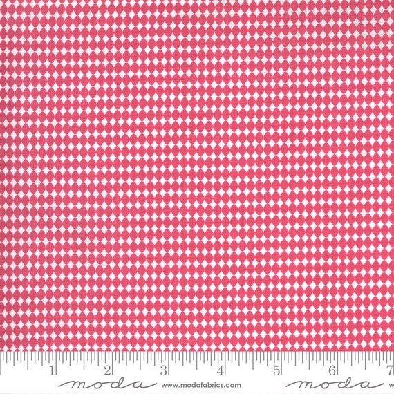 Spring Chicken- 1/2 Yard Increments, Cut Continuously (55524 12 Picnic Pink)  by Sweetwater for Moda