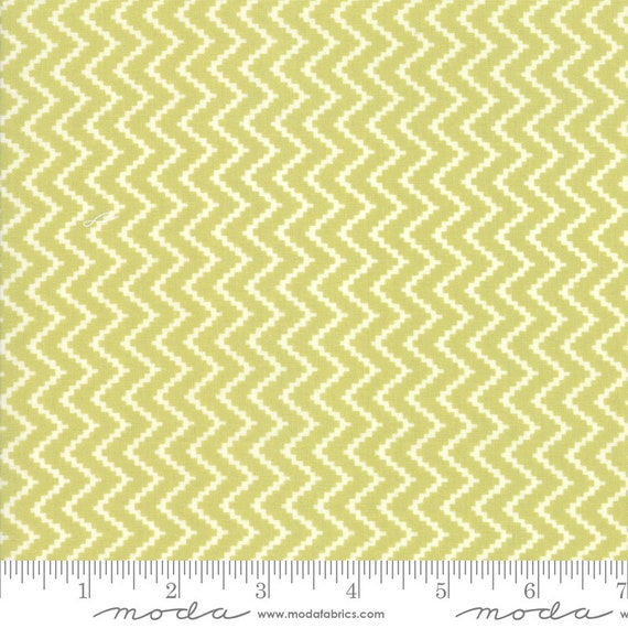 Christmas Figs ll - 1/2 Yard Increments Cut Continuously- 20353-33 Mistletoe Zig Zag by Fig Tree & Co. for Moda