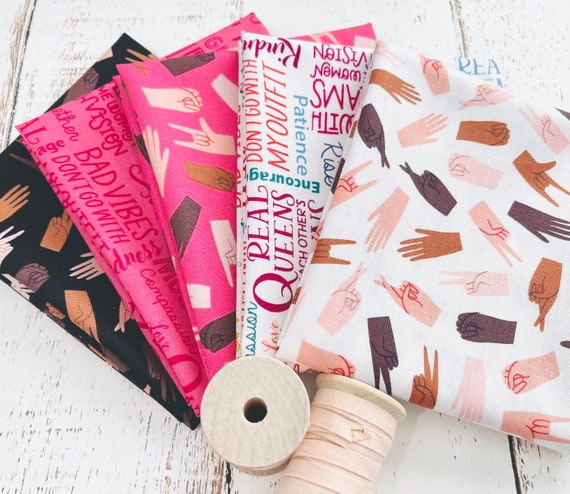 Hand In Hand- Fat Quarter Bundle (5 Fabrics) by Damask Love for Riley Blake Designs