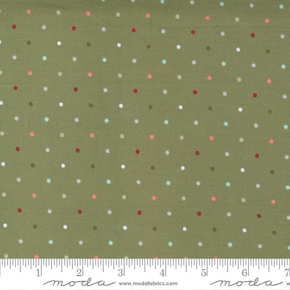 Christmas Morning- 1/2 Yard Increments, Cut Continuously (5147 15 Magic Dot - Pine) by Lella Boutique for Moda