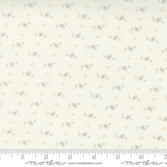 Pumpkins and Blossoms- 1/2 Yard Increments, Cut Continuously  (20427 26 Cinderella Pumpkins - Vanilla Pebble) by Fig Tree & Co. for Moda