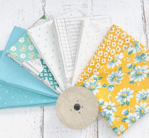 Flea Market- Fat Quarter Bundle (8 Fabrics) by Lori Holt for Riley Blake Designs