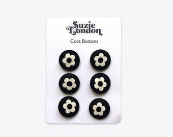 60s Flower Coat Buttons in Black & White