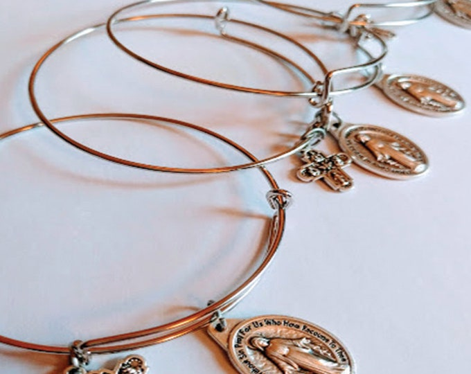 Bridal Party| Miraculous Medal Bangle| Catholic Wedding| Bridal Party Gift| Catholic Bridesmaid Gift| Simple Bridesmaid Gift
