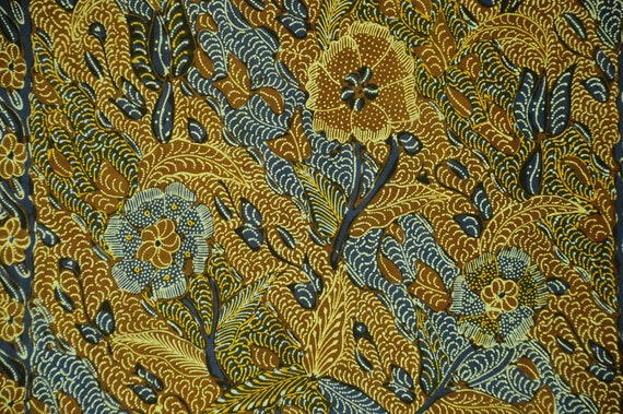 Vintage Indonesian Sarong Hand Drawn Brown Batik O