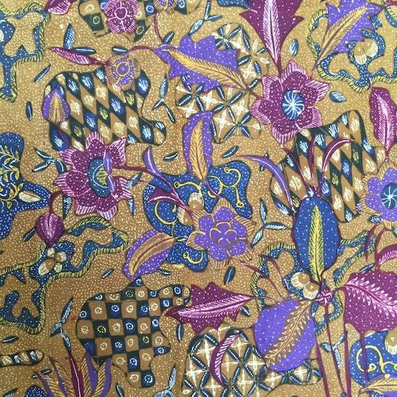 Vintage Indonesian Hand Drawn Sarung Batik with Se