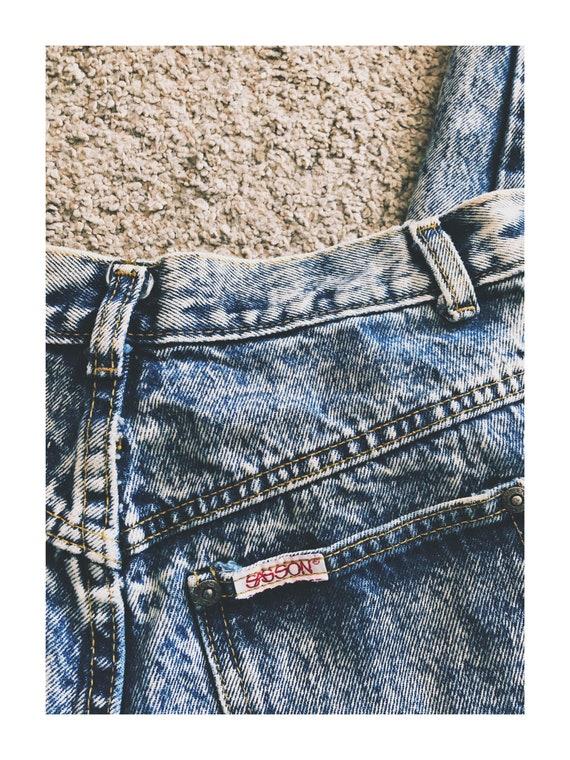Vintage 1980s Acid- Wash Mom Jeans Bow Detail - image 5