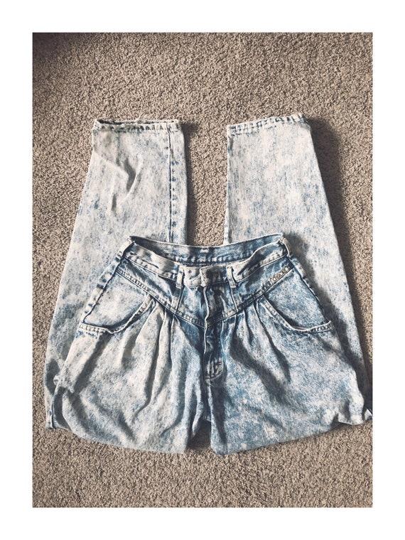 Vintage 1980s Cherokee Pleat Acid-Wash Mom Jeans