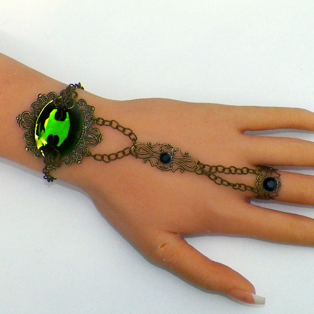 Slave,Bracelet,Hand,Chain,Elven,Fairy,Green,Boho,Cuff,Gothic,Medieval,Jewelry,Vintage,Bohemian,Gypsy,Antique,Style,wide_cuff_bracelet,gothic_bracelet,vintage_bracelet,adjustable_bracelet,wide_cuff,silver_bracelet,emerald_bracelet,slave_bracelet,hand_chain,boho_bracelet,bohemian_jewelry,fairy_bracelet,elven_bracelet