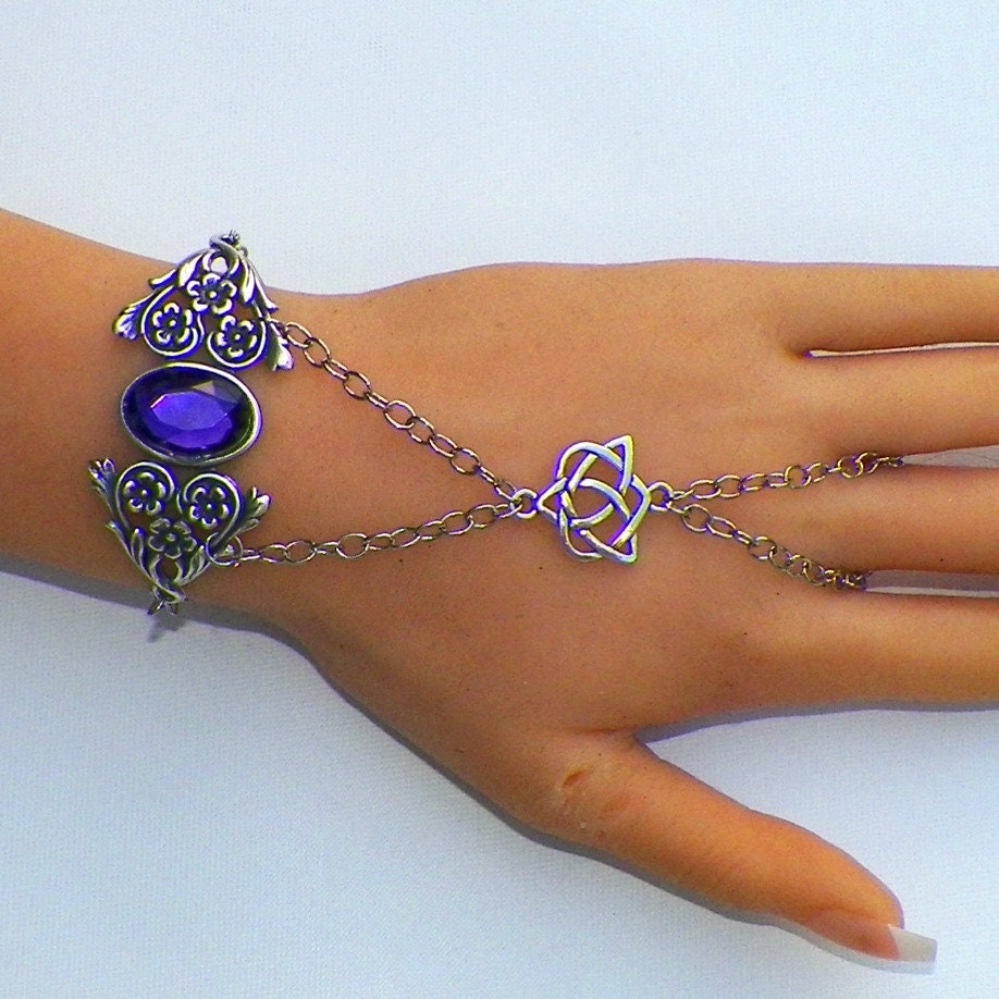 Celtic,Slave,Bracelet,Silver,Hand,Chain,Amethyst,Purple,Boho,Cuff,Gothic,Medieval,Jewelry,Vintage,Sterling,Bohemian,Gypsy,Antique,Style,wide_cuff_bracelet,gothic_bracelet,vintage_bracelet,adjustable_bracelet,wide_cuff,silver_bracelet,emerald_bracelet,slave_bracelet,hand_chain,boho_bracelet,bohemian_jewelry,celtic_bracelet,amethyst_bracelet
