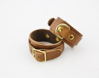 Switch Leather Co. Set of two wrist cuffs in Oak