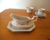 Johnson Bros Eternal Beau gravy or sauce boat and underplate or stand