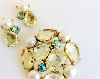 Elsa Schiaparelli Brooch Earrings Vintage 1950s 1960s Pin Clip-on Earrings Signed Jewelry Gold Yellow Green Stone and Pearl Costume Jewelry