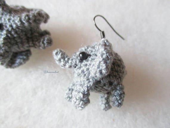 Mini Elefant Ohrringe Amigurumi Häkeln Puppe Mini Puppe Häkeln Amigurumi Ohrringe Accessoires Schmuck Handarbeit Elefant Puppe Verbieten