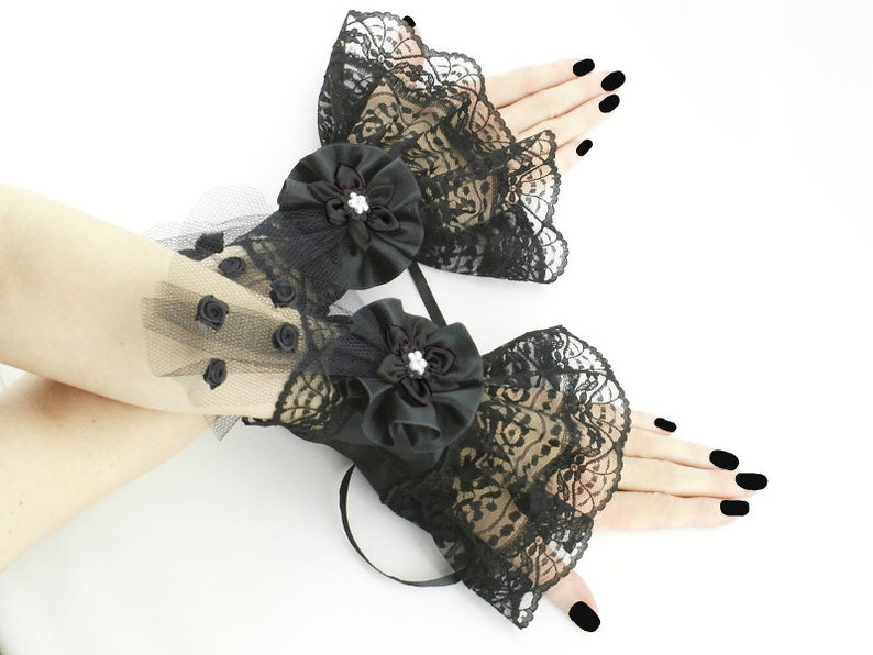Victorian Masquerade Gothic Wrist Band Vintage Lace Cuff Wristband 2 pairs