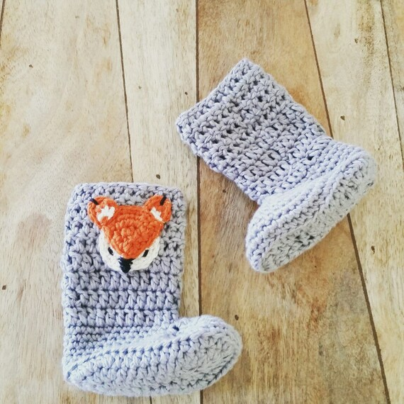 de02121e3f398 Crochet Baby Booties, Newborn Shoes, Natural Cotton, Medium Grey Winter  Booties for Boys and Girls, Fox applique, Woodland baby Shoes.