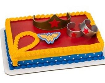 Wonder Woman Cake Decorating Kit