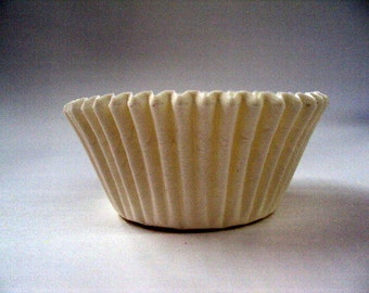 32 White Baking Cups