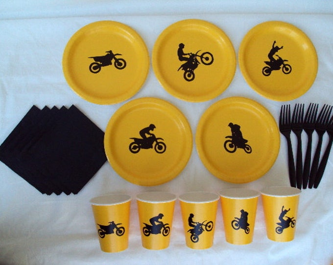 Motocross Party Plates and Cups for 5 People