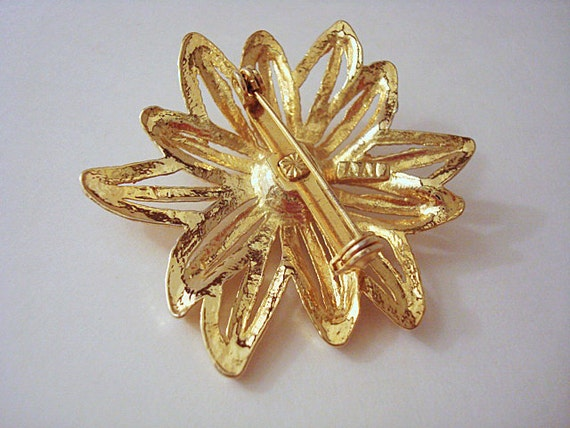 Vintage Gold and Pearl Flower Brooch - image 4