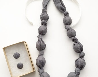 Kohl Vines Fabric Teething Nursing Necklace by Wee Kings
