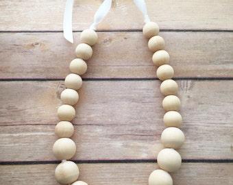 Simplicity I Wood Teething Nursing Necklace by Wee Kings