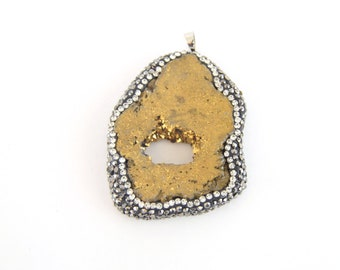 Single Dyed Purple Druzy Agate Freeform SliceSlab Pendant with Gold Bail Measuring 15-25mm x 40-50mm Approx Random - Sold Individually
