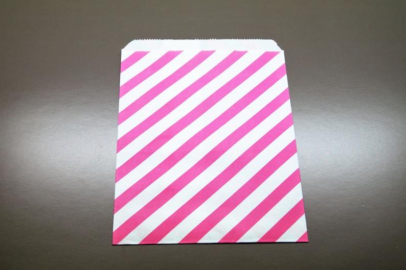 Set 5 flashy pink and white diagonal bags 13 x 18 cm
