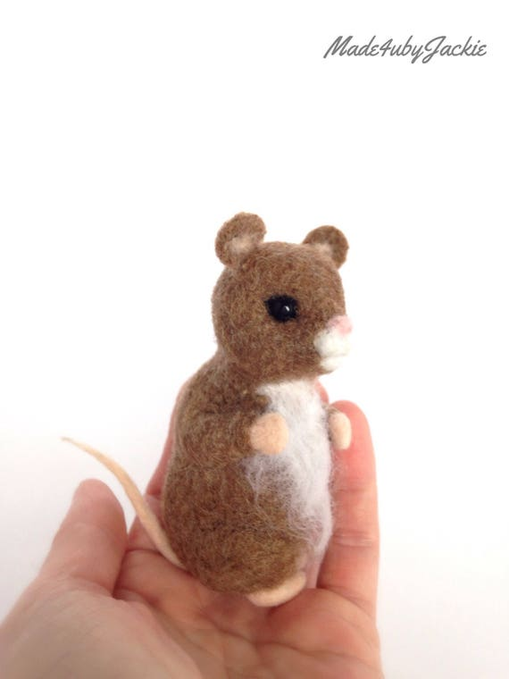 Needle Felted Mouse - Brown mouse - Felted mouse - Needle felted animal - Felted animal - Gift for her - Stocking stuffer - gift idea - OOAK