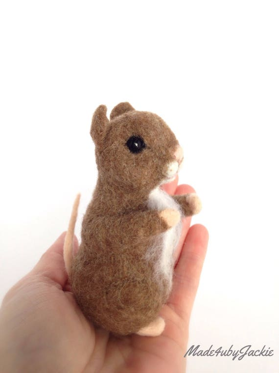 Needle Felted Mouse - Brown mouse - Felted mouse - Needle felted animal - Felted mouse - Gift for her - Stocking stuffer - gift idea - OOAK