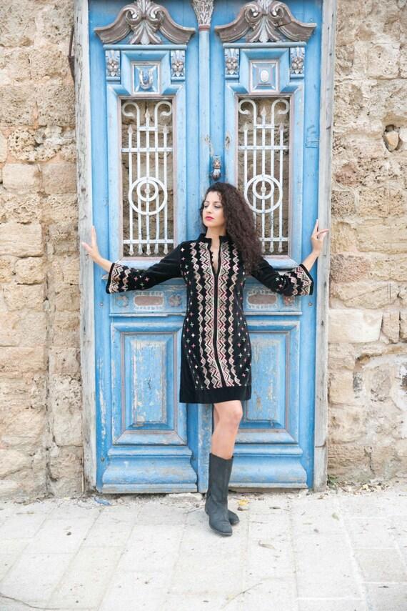 Beautiful embroided kaftan,  etnic kaftan, vintage