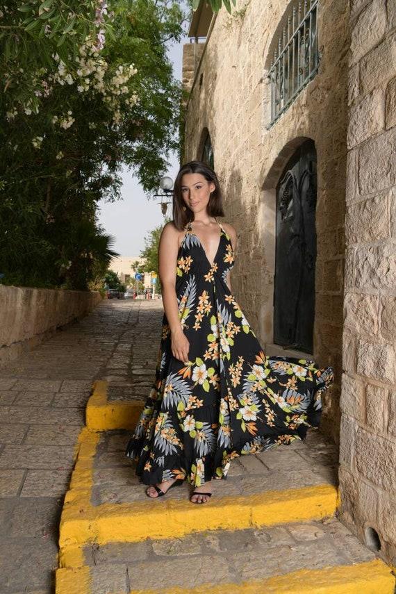 Boho Blumen Maxi Kleid für die Frau, Sommerkleid, Urlaub, Rückenfreies Kleid, offenem Rücken, Quasten, Kleid, Brautjungfer, schwarze lange