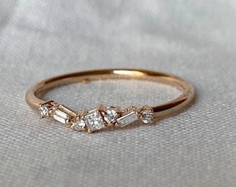 Minimalist Diamond Cluster Ring, Gold Cluster Ring, Diamond Wedding Ring, Baguette Cluster Ring, Diamond Wedding Band, Princess Diamond Ring