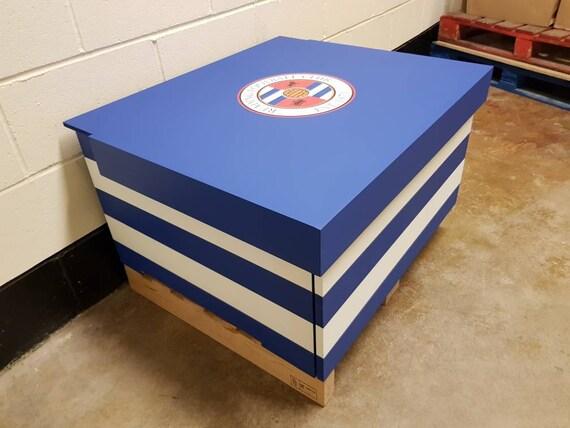 Boîte XL Football sur le thème géant Trainer chaussure détient 12no paires de formateurs, cadeau pour lui, cadeau d'anniversaire, cadeau, cadeau,