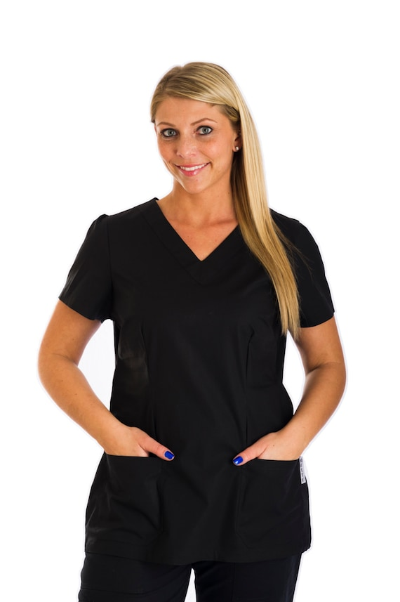 Bettina NEW traditional scrub top light poplin fabric Two double stitch pockets V-neck with darts in front and back for a comfortable fit