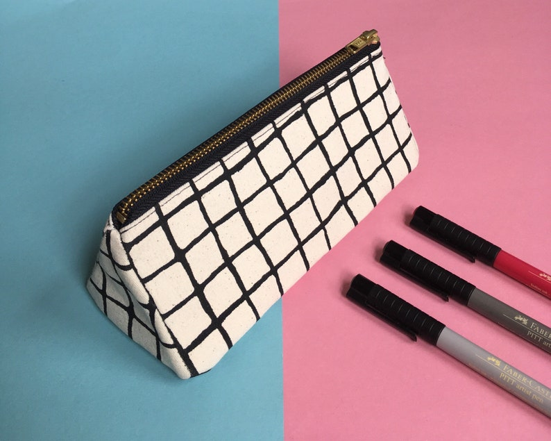 Screen-print Triangle Pencil Case Grid Pattern Zip Pouch image 0