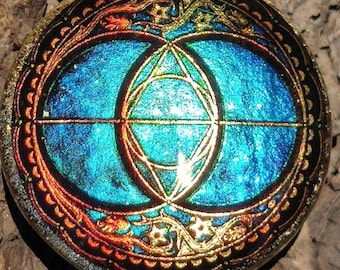 Chalice Well - Avalon - Vesica Piscis Orgonite - Holographic special effect (please watch video on description) Lightworker deluxe handmade