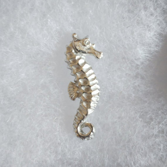Large Sea Horse Pin Badge Brooch English Silver Pewter in gift pouch