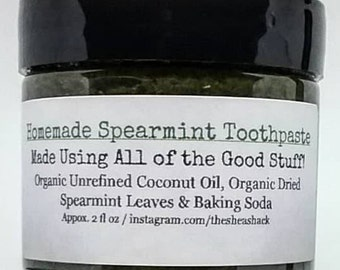 Homemade Spearmint Toothpaste/Peppermint Toothpaste! (Vegan) No Chemicals & No Fluoride! WARNING! You will taste a HINT of Baking Soda!