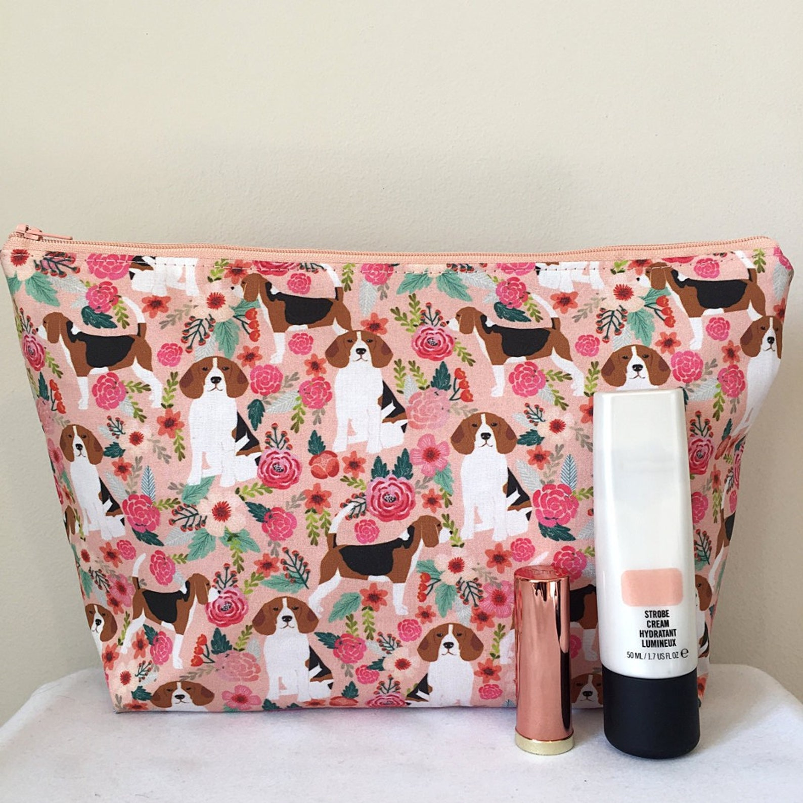 Cosmetic bag with beagle print