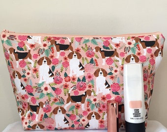 Beagle dog makeup/toilet bag