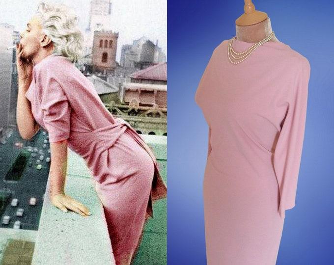 Marilyn Monroe...Classic day dress.