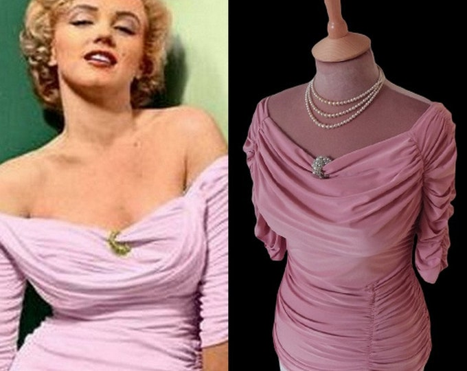 Ready now....Marilyn Monroe ruched top (Small)