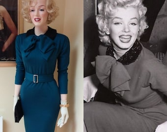 Ready now... Marilyn Monroe over sized bow dress (Small)