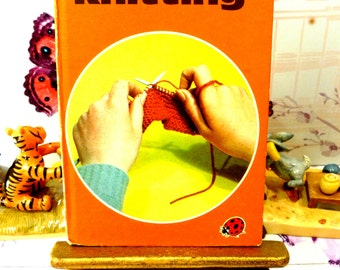 Learnabout Knitting Vintage LadyBird Book How to Knit Series 634 with full patterns Matt Cover Tie for Dad Egg Cosy