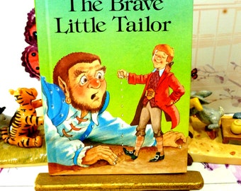 The Brave Little Tailor Vintage LadyBird Book Well Loved Tales Glossy Cover 1983 Easy Reader