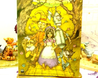 The Wizard of Oz Vintage 1970s Armada Paperback Dorothy, Toto, The Tin Man and the Cowardly Lion