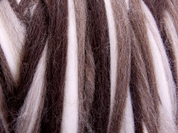 Corriedale Stripey Sliver - Natural Fusion 124 - 1 kg Bumps or 100g