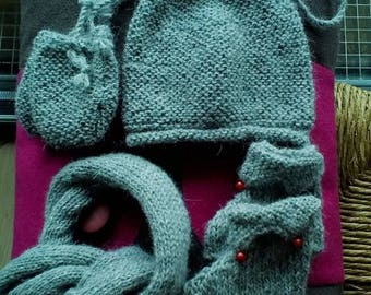 Set: bonnet, booties and mittens in pure Alpaca scarf